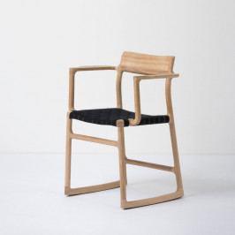 Jedálenská stolička z masívneho dubového dreva s opierkami a čiernym sedadlom Gazzda Fawn