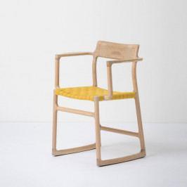 Jedálenská stolička z masívneho dubového dreva s opierkami a žltým sedadlom Gazzda Fawn