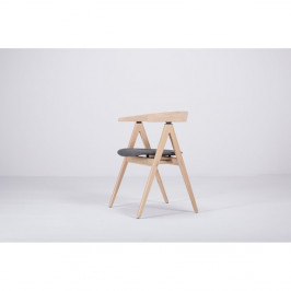 Jedálenská stolička z masívneho dubového dreva s tmavosivým sedadlom Gazzda Ava