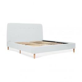 Svetlomodrá dvojlôžková posteľ s drevenými nohami Vivonita Mae King Size, 180×200 cm